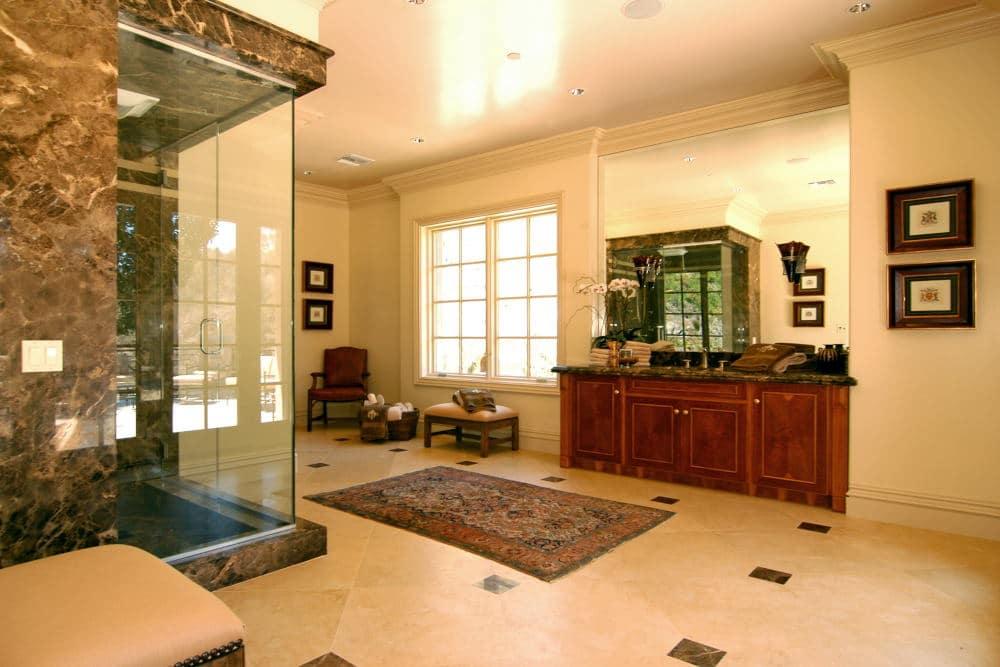 Interior Photography of modern bathroom